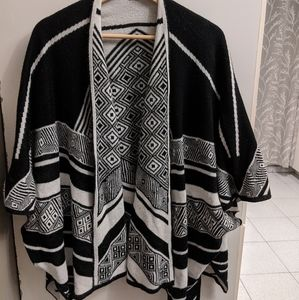 Poncho scarf shirt wrap in black and white boho